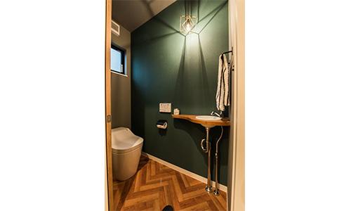 トイレ,緑壁紙